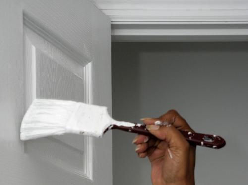 Межкомнатная деревянная дверь своими руками. Декорирование деревянных дверей