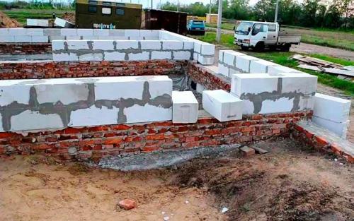 Построить дом из блока. Правила укладки газобетонных блоков