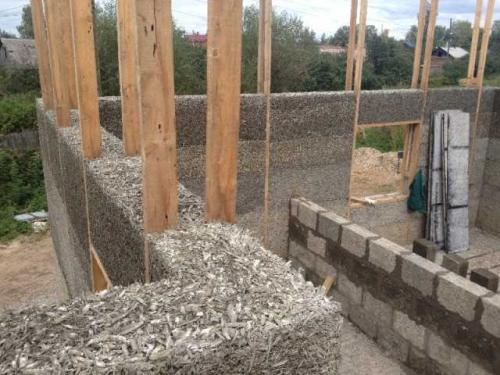 Построить дом из арболита. Строительство из монолитного арболита