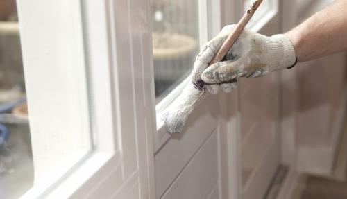 Чем заклеивают окна на зиму. Особенности и основные требования