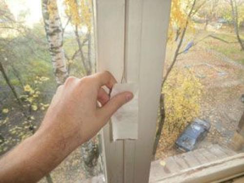 Как заклеить окна бумагой. Как клеить окна мылом на зиму