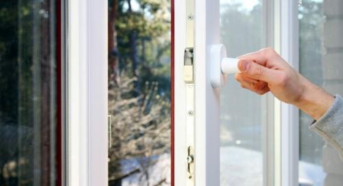 Как отрегулировать пластиковые окна на зимний режим. Зачем нужна для летнего и зимнего режима регулировка пластиковых окон