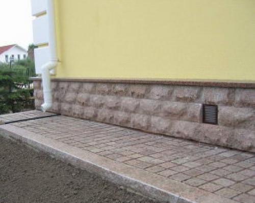 Как сделать отмостку из тротуарной плитки вокруг дома своими руками. Как сделать отмостку из тротуарной плитки своими руками