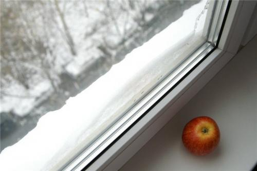 Как утеплить окна пластиковые на зиму. Причины, вынуждающие утеплять окна из пластика