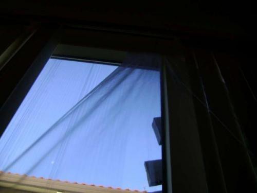 Как утеплить окна на даче. Как утеплить окна на зиму с помощью полиэтиленовой пленки