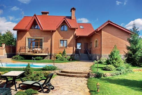 Зимний дом из кирпича. Дом из кирпича — лучшие типовые дизайн-проекты. 150 фото современных вариантов кирпичных домов